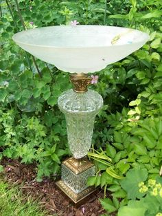 LOVE this!! Now to find a beautiful lamp to put outside! :)  Lamp base made into bird bath