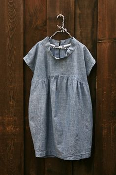 Grey linen and an interesting neckline. What's not to like?
