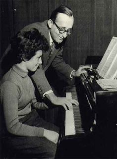 Friedrich Gulda with star pupil Martha Argerich. Romy Schneider, Martha Argerich, Rickenbacker Guitar, George Martin, Alain Delon, The Fab Four, Ringo Starr, Rock Bands, Concert