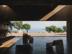 Project: Villa RA Architects: MORQ Location: Calabria, Italy Photographers: Givlio Aristide, Pep Sau Mediterranean Villa in Calabria Designed by MORQ Patio Interior, Home Interior, Interior And Exterior, Interior Design, Indoor Courtyard, Internal Courtyard, Vernacular Architecture, Contemporary Architecture, Architecture Design