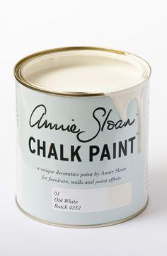Colore della creta e del gesso, questo è un bianco fresco e soffice senza rosa o giallo all'interno. Il...