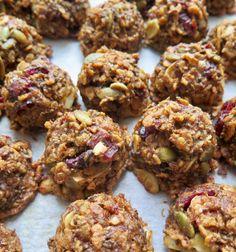 Carré Rice Krispies, Super Healthy Recipes, Vegan Recipes, Granola Barre, Chia Benefits, Nut Allergies, Salty Snacks, Sweet Cookies, Almond Cookies