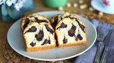 Annelerimizin yaptığı keklerin lezzetinde ve harika görünümdeki Leopar Desenli Kek Tarifi, Evdeki Pastane sayfamızda beğenilerinize sunulmuştur. Aynı hamuru kullanarak 3 farklı renkte kek ha…