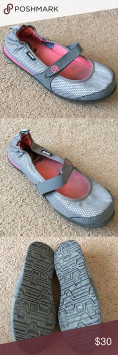 403fedcba34302 Teva mush Mary Jane style shoes sz 8 women gray These shoes have been used  Sz