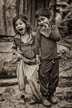 Kids, children, cute, portrait, photo b/w Beautiful Children, Beautiful People, Beautiful Smile, Jolie Photo, People Of The World, Little People, People In Love, Black And White Photography, Cute Kids