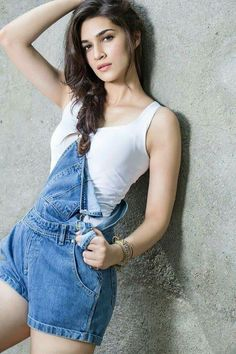 Kriti Sanon is an Indian model and actress who appears in Telugu and Hindi films. Her gorgeous pictures prove that she is the queen of million hearts. Bollywood Actress Hot Photos, Indian Bollywood Actress, Bollywood Girls, Beautiful Bollywood Actress, Most Beautiful Indian Actress, Bollywood Fashion, Beautiful Actresses, Beautiful Celebrities, Bollywood Bikini