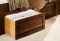 """Schubkästen »Tessin«. Diese Möbel aus FSC®-zertifizierter, massiver Kiefer, gelaugt/geölt, verbinden erstklassige Verarbeitung mit der Gemütlichkeit des Landhausstils.  Diese Schubkästen passen zu dem Bett """"Tessin"""" mit Regal im Fußteil (z.B. dem Bett in gelaugt/geölt mit der Artikelnummer 60454589)  Mit den Schubkästen können Sie den Bodenfreiraum unter den Betten optimal nutzen.   Auf Rollen. ..."""
