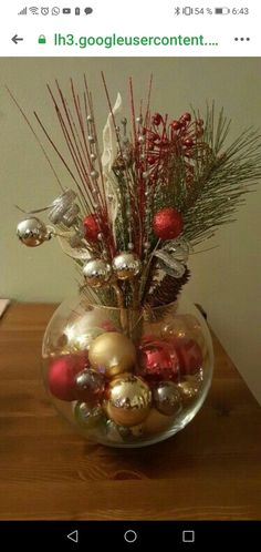 Easy Christmas Decoration That Are Within Your Budget yet looks Gorgeous - Hike n Dip - - Here are easy Christmas decoration ideas which are within your budget. These dollar store Christmas decor ideas are cheap DIY Frugual Decorations for Xmas. Christmas Vases, Christmas Table Centerpieces, Easy Christmas Decorations, Dollar Store Christmas, Christmas Arrangements, Noel Christmas, Rustic Christmas, Christmas Projects, Simple Christmas