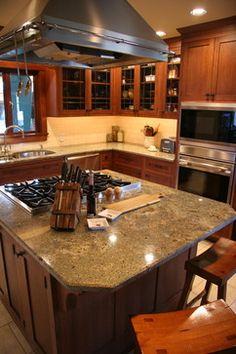 Inset Quarter Sawn Oak Kitchen traditional kitchen