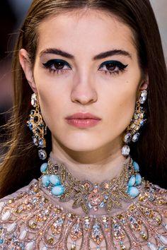 Лучшие прически и макияж на Неделе моды Haute Couture (день 3) | Vogue Ukraine