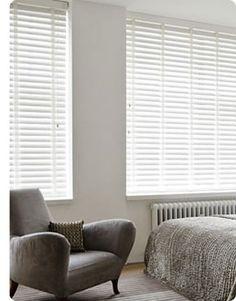 witte houten jaloezieen van Maatstudio.nl, interieur