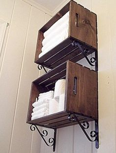 Here we are with another DIY solution that you will love. We will present you DIY projects with wooden crates. They are so simple to be made and at the sam rustic house DIY Awesome Rustic Wooden Crates Projects Easy Home Decor, Handmade Home Decor, Cheap Home Decor, Diy Home Decor On A Budget, Wooden Crates Projects, Wood Projects, Diy Projects Rustic, Large Wooden Crates, Woodworking Projects