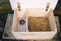 How to build a hedgehog house/ Wie man bastelt ein Igelhaus.