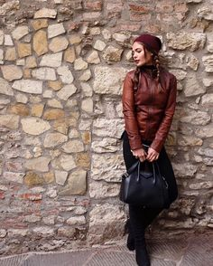 10 Tips on Traveling in Style Like a Celebrity Lovi Poe, Ordinary Day, Celebrity Stars, Outdoor Workouts, Celebs, Celebrities, Airport Style, Italy Travel, Star Fashion