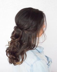 Partial updo bridal hairstyle - Half up half down wedding hairstyles Prom Hairstyles For Short Hair, Wedding Hairstyles Half Up Half Down, Graduation Hairstyles, Romantic Hairstyles, Half Up Half Down Hair, Wedding Hair Down, Wedding Hair And Makeup, Bride Hairstyles, Down Hairstyles