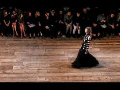 Alexander McQueen | Spring Summer 2016 Full Fashion Show | Exclusive - YouTube