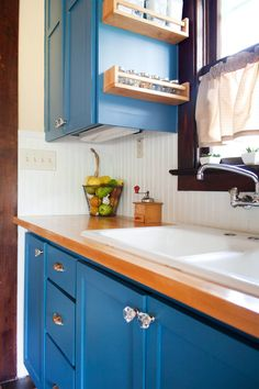 Kristen & Michelle's Modern Bohemian — Pride at Home: House Tour Greatist Hits Bohemian Kitchen, Bohemian House, Modern Bohemian, Kitchen Spotlights, Blue Cabinets, Cupboards, Kitchen Cabinets, Interior And Exterior, Interior Design