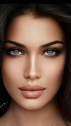 Most Beautiful Eyes, Stunning Eyes, Girl Face, Woman Face, Belle Silhouette, Makeup Books, Long Lasting Lipstick, Model Face, Beauty Portrait