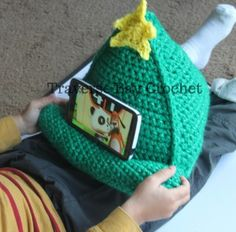 Crochet Christmas tree phone iPad tablet stand   Traverse Bay Crochet