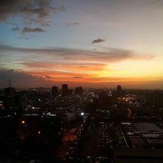 Gorgeous! shared by lodemasnoesmonte #landscape #contratahotel (o) http://ift.tt/1OmaD5H ver los amaneceres y atardeceres de las ciudades de Venezuela.  Compartimos esta imagen postrada por  @puertoordaz y @pataypedal. Una toma de Puerto Ordaz (Ciudad Guayana estado Bolívar. Venezuela). #Imágenes #Paisajes #Atardecer #Venezuela #Bolivar