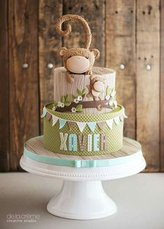 Two-tier cake for baptism with two monkeys, name of the baby, in green and brown, on cake stand cake decorating recipes kuchen kindergeburtstag cakes ideas Monkey Birthday Cakes, First Birthday Cakes, Monkey Cakes, Baby Birthday, Amazing Baby Shower Cakes, Two Tier Cake, Jungle Cake, Animal Cakes, Cake Wrecks