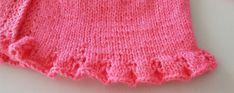 JUBILOCIOS: CHAQUETA PRIMERA PUESTA CON VOLANTE PARA LAS NUEVAS GEMELAS Bebe Baby, Lace Shorts, Beanie, Hats, Women, Fashion, Tricot, Knit Baby Sweaters, Baby Knitting