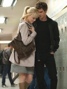 Gwen Stacy & Peter Parker aka Emma Stone and Andrew Garfield in 'The Amazing Spider-Man' Amazing Spiderman, Marvel Comics, Marvel Dc, Estilo Emma Stone, Emma Stone Andrew Garfield, Movies And Series, Movie Couples, Romantic Couples, Shows