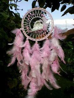 Dream Catcher Mobile, Feather Dream Catcher, Indian Arts And Crafts, Diy And Crafts, Medicine Wheel, Beautiful Dream, Sun Catcher, Dreamcatchers, Wind Chimes
