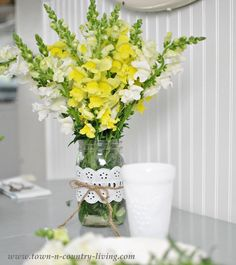 Yellow and White Snapdragons from the Farm Market via Town and Country Living