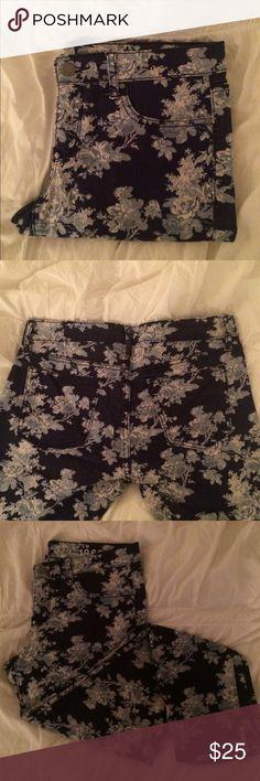 "Floral Print Denim ""Always skinny"" Gap denim fit. Such a fun print! GAP Jeans"