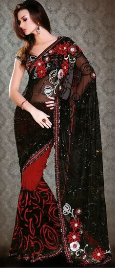 Indian Saree: Online Saree Shopping Made Easy With Latest Designs at Utsav Fashion Beautiful Saree, Beautiful Gowns, India Fashion, Asian Fashion, Indian Dresses, Indian Outfits, Shopping Queen, Robes Glamour, Georgette Sarees