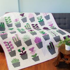 Plants and Quilts together in one? This gorgeous plant quilt pattern is an all time favorite and current dream project. Nancy Zieman, Girls Quilts, Baby Quilts, Kid Quilts, Quilting Projects, Quilting Designs, Quilting Ideas, Quilting Tutorials, Modern Quilting