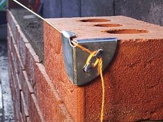 einfache heimwerkerprojekte Tool that will simplify the work on the construction field now you can use it. This is easy project that can be made as DIY project and will hel Welding Projects, Easy Projects, Woodworking Projects, Teds Woodworking, Welding Crafts, Homemade Tools, Diy Tools, Hand Tools, Brick Laying