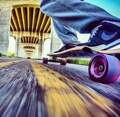 cruisin' the country Bufoni, Long Skate, Skate Style, Skate Surf, Skater Girls, Skateboard Decks, Parkour, Extreme Sports, Skateboards