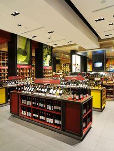 Retail Design | Wine Store | BWS | Liquor Store | El Mundo del Vino wine store by Droguett A, Santiago Chile store design