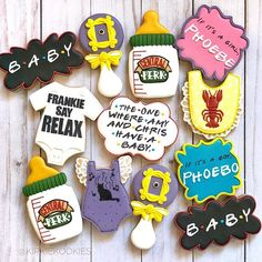 """MY FIRST """"FRIENDS"""" ORDER! And an adorable baby shower one to boot! Thanks for letting me get creative PS: please don't name… desserts Baby Shower Parties, Baby Shower Themes, Shower Ideas, Baby Showers Juegos, Fun Baby Announcement, Baby Shower Cookies, Baby Cookies, Valentine Cookies, Baby Shower Gender Reveal"""