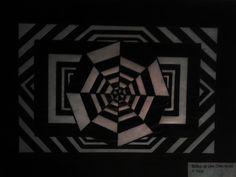 Psicose - Desenho com base geométrica, feito com lápis preto aquarela.