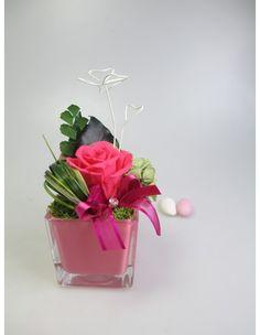Rosa vera stabilizzata piccola con quadrifoglio e strass in vaso di vetro colorato