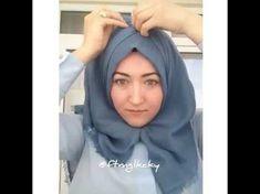 Gia Carangi, Maquillaje Halloween Tutorial, Versace, Hijab Style Tutorial, Moda Emo, Hem Jeans, Hijab Chic, Shorty, Turban