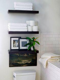 Туалет в цветах: черный, серый, светло-серый, темно-зеленый. Туалет в стиле минимализм.