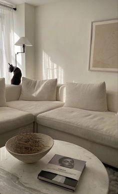 Dream Home Design, Home Interior Design, Room Interior, Home Living Room, Living Room Decor, Aesthetic Rooms, White Aesthetic, Room Ideas Bedroom, Living Room Inspiration