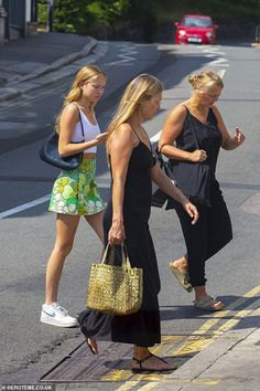 Kate Moss Style, Daughter, Lunch, Dresses, Black Maxi, Restaurant, Italy, London, Models