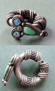 Tibet | Earring; silver, turquoise and glass | 19th / 20th century | POR