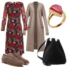 L'abito a fiori dai toni caldi è perfetto per l'ufficio o per il tempo libero, il cardigan s'intona alle stringate e la comoda borsa completa il look.