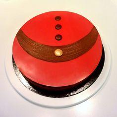 "Fantastik ""Santa Klaus !""  (chocolat, poire, tonka) Dessert Decoration, Dessert Table, Christmas Desserts, Christmas Cakes, French Patisserie, Pastry Art, Wedding Breakfast, French Pastries, Something Sweet"