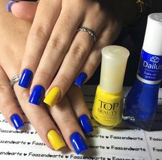 Unhas decoradas do Brasil - Unhas da Copa 2018 #unhas #unhasdacopa #unhasdobrasil #copa #copa2018 #brasil #brazil #unhasdecoradas #esmaltes #nails #nailart #nailpolish #nailstagram #dailus #dailuscolor #topbeauty Joy Nails, Manicure And Pedicure, Finger Painting, Nail Polish Colors, Nailart, Pretty Nails, Erika, Nail Designs, Yellow Nail