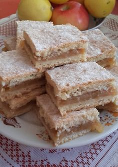 This no all / Disznóól - KonyhaMalacka disznóságai Apple Pie, Cornbread, Ethnic Recipes, Food, Millet Bread, Meal, Essen, Apple Pies, Hoods