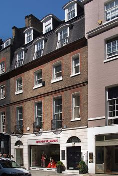 28 Bruton Street. Situated in the heart of Mayfair, between Berkeley Square and the very smart Bond Street where it's mandatory to 'do lunch' and indulge in some retail therapy, the office is positioned in what is considered to be the most exclusive area for London office occupiers.