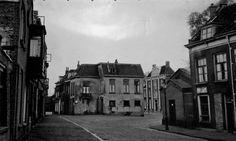 Bijna onherkenbaar de Broersvest richting de 's Gravelandseweg. Links op de foto is het Provenierhuis het enige aanknopingspunt!