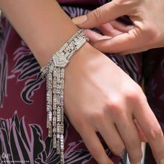 KATERINA PEREZ/КАТЕРИНА ПЕРЕЗ (@katerina_perez) в Instagram: «@melleriojoaillier Mellerio Dits Meller present this astonishing Eclat de Lys bracelet. It's an Art…»